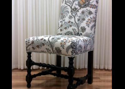 U-bailey_chair